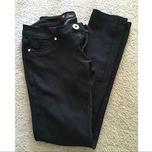 Guess Pants - Guess - black skinny jeggings.